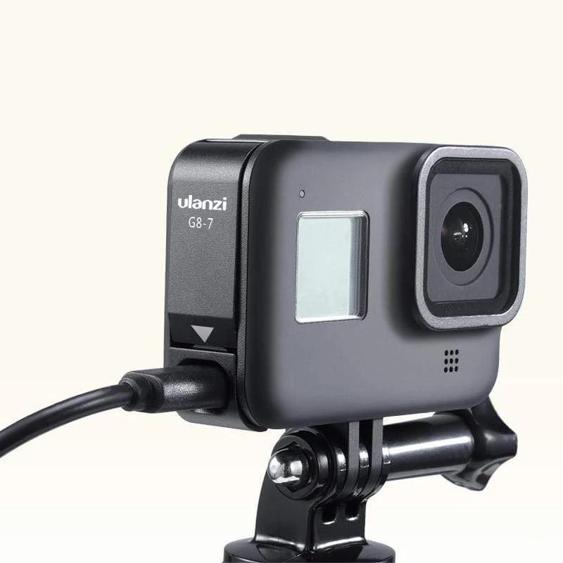 фото использования Type-C на GoPro 8 с закрытой дверцей аккумулятора