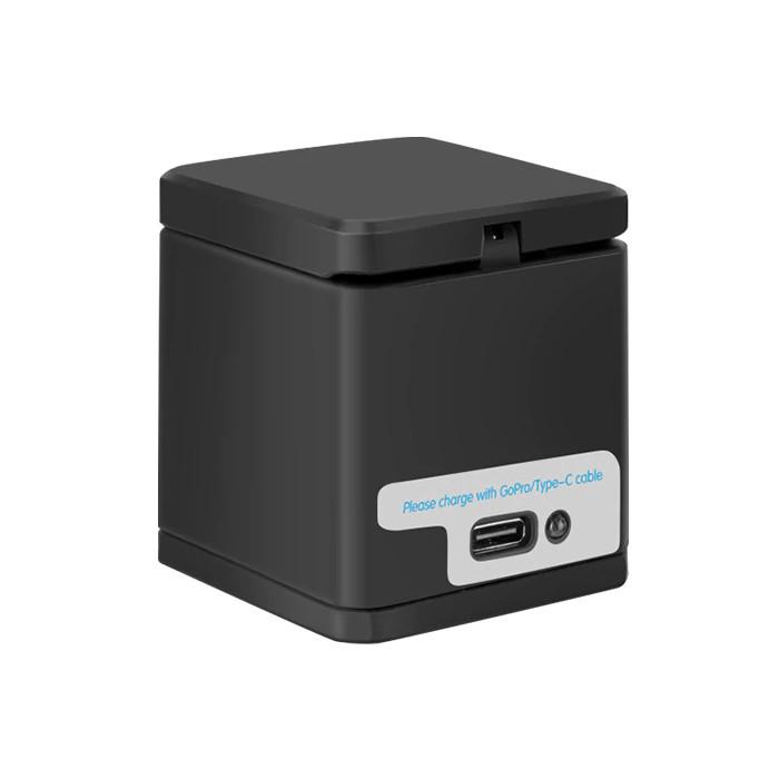 фото GoPro 8 зарядки на три акумулятора