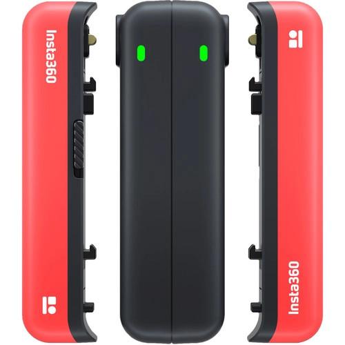 фото зарядки на два аккумулятора Insta360 One R