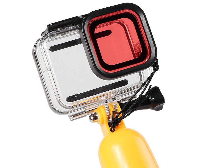 фото установки красного фильтра на аквабокс GoPro 8